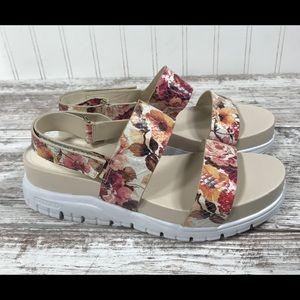 Cole Haan Floral sandals - size 7 1/2
